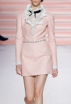 Angel baby — jai-by-joshua: Philosophy di Lorenzo Serafini. Fashion Week, High Fashion, Fashion Show, Fashion Outfits, Fashion Design, Classy Outfits, Pretty Outfits, Cute Outfits, Couture Fashion