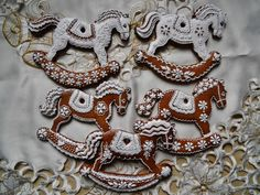 cookie artist Dalla Via Jana Fancy Cookies, Cut Out Cookies, Holiday Cookies, Cake Cookies, Sugar Cookies, Holiday Baking, Christmas Baking, Horse Cookies, Christmas Horses