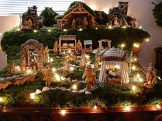 Fontanini nativity scene pinned by Donahue . Christmas Crib Ideas, Rose Gold Christmas Decorations, Christmas Nativity Set, Christmas Village Display, Christmas Villages, Christmas Love, Christmas Holidays, Christmas Crafts, Christmas Scenes