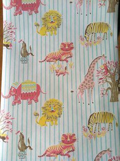 Vintage Wallpaper- Circus Animals- by the yard Animal Wallpaper, Fabric Wallpaper, Of Wallpaper, Stripe Wallpaper, Wallpaper Ideas, Pattern Art, Pattern Design, Print Patterns, Classic Wallpaper