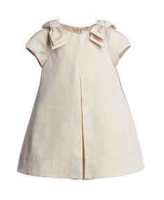 Gold Metallic jurk www. Frocks For Girls, Kids Frocks, Little Dresses, Little Girl Dresses, Girls Dresses, Baby Outfits, Kids Outfits, Toddler Fashion, Kids Fashion