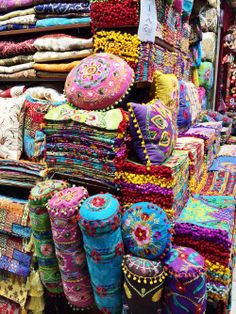 Grand Bazaar Istanbul Turkey – - Bohemian Home Gypsy Bohemian House, Bohemian Design, Bohemian Interior, Bohemian Living, Bohemian Decor, Boho Chic, Gypsy Decor, Crafts To Sell, Home Crafts