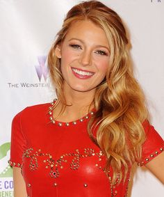 We've rounded up our favorite Blake Lively hairstyles, from boho braids to glam Hollywood curls. Damp Hair Styles, Long Hair Styles, Pretty Hairstyles, Wedding Hairstyles, Blake Lively Hair, Hollywood Curls, Half Updo, Strawberry Blonde, Katie Holmes