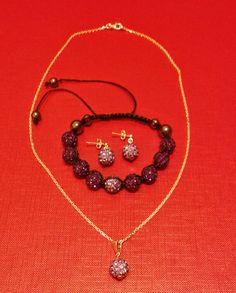 Handmade jewelry. Bransoletka  makramowa z kulkami Shamballa  wysadzanymi  cyrkoniami Swarovski Elements Amethyst oraz Swarovski Tanzanite ze srebrnymi kolczykami i przywieszką na srebrnym łańcuszku.