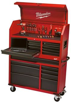 Here's a quick look at MIlwaukee's new ball bearing tool storage chest and cabinet.