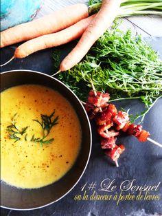 Velouté de carottes aux épices et brochettes de lards fumés au miel