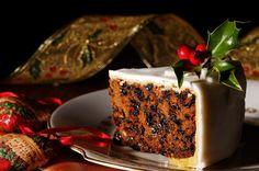 A Delicious recipe for marzipan coated Christmas Cake. Marzipan Frosted Christmas Cake Recipe from Grandmothers Kitchen. Christmas Cake Recipe Traditional, Bolo Grande, Cake Recipes, Vegan Recipes, Plum Cake, Vegan Christmas, Christmas Recipes, Christmas Eve, Christmas Cakes