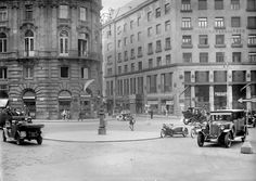 Michaelerplatz ca. Austro Hungarian, Vienna Austria, Old Pictures, Old World, Old Things, Street View, Black And White, History, Architecture