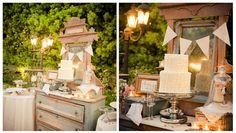 Para una auténtica despedida en jardín, decora tu mesa de postres con detalles vintage.
