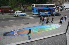 "XXX - ""Chalk art"" - Pintura com giz - Arte de rua -  Artista: Julian Beever - Ilusão de Óptica"