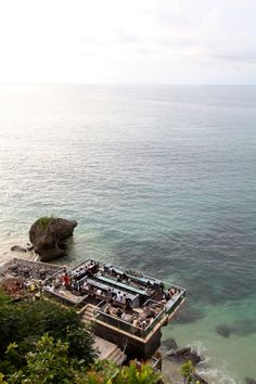 Bar on the Cliff - Bali