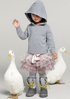 Girls clothing and fashion- kids fashion (for girls)- grey hoodie, boots and a pink tutu, with real live swans- tomboy ballerina- pink + grey- fun! Little Doll, My Little Girl, My Baby Girl, Little Girl Fashion, Fashion Kids, Look Fashion, Look Girl, Moda Vintage, Little Fashionista