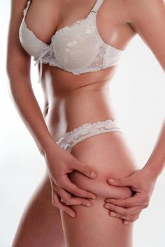 The best ways to Get rid of Cellulite on Thighs Cellulite Wrap, Causes Of Cellulite, Cellulite Exercises, Cellulite Remedies, Reduce Cellulite, Anti Cellulite, Cellulite Workout, Skinny Guys, Do Exercise