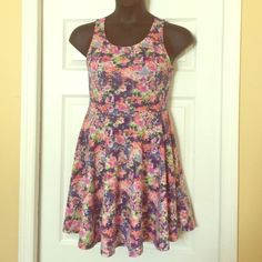 Beautiful floral mini Beautiful floral mini dress Soprano Dresses Mini
