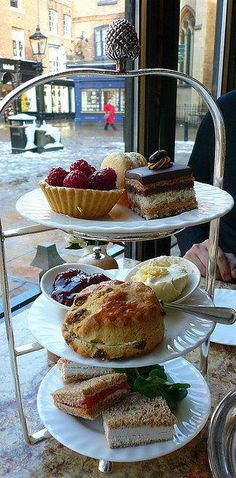 And a legendary afternoon tea at Bettys, Harrogate/York/Ilkley/Northallerton and more | 15 Bloody Delicious Afternoon Teas You Must Eat Before You Die #Beautifulwomen Afternoon Tea Parties, Afternoon Tea Cakes, Le Diner, High Tea, Tea Pots, England, Food And Drink, Snacks, Cooking
