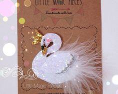Prima Ballerina Swan Hair Clip/ Headband by LittleMagicPieces Felt Hair Clips, Baby Hair Clips, Hair Bows, Handmade Crafts, Diy And Crafts, Glitter Fabric, Glitter Hair, Glitter Eyeshadow, Blue Glitter