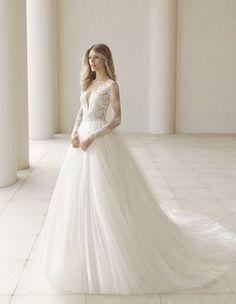 Vestido de Noiva de Rosa Clará (PERGOLA), coleção couture, corte princesa, decote em v, longo, com mangas