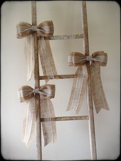 DECORATING WITH BURLAP AND LACE | Burlap & Scalloped Lace Bows by HiddenValleyHome on Etsy
