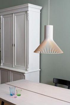 Secto Design Puncto 4203 pendant lamps at led lamps online shop Lamp Design, Lighting Design, Design Design, Minimal Design, Modern Design, Chandeliers, Mood Lamps, White Laminate, Home Interior