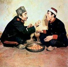 Auç bakayım ağzını namıssız Turkish Actors, Old Photos, Actors & Actresses, Hollywood, Culture, Cartoon, History, Celebrities, Artwork