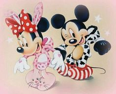 Mickey & Minnie in their Halloween costumes. Arte Do Mickey Mouse, Mickey And Minnie Love, Mickey Mouse Cartoon, Disney Mouse, Mickey Mouse And Friends, Baby Disney, Disney Mickey, Disney Art, Images Disney