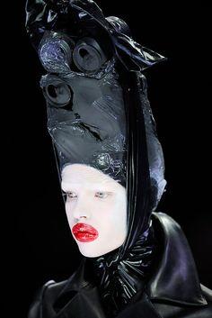 Alexander McQueen - Fall 2009 Ready-to-Wear - Look 78 of 151