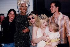 RuPaul with Dave Grohl, Kurt Cobain and Krist Novoselic of Nirvana, and Courtney Love with daughter Frances Bean Cobain Get premium, high resolution news photos at Getty Images Courtney Love Hole, Kurt And Courtney, Frances Bean Cobain, Nirvana Kurt Cobain, Dave Grohl, Kurt Corbain, Ru Paul, Banda Nirvana, Movies