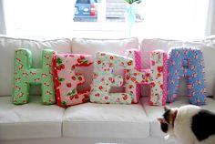 Almofadas letras passo a passo, para decorar, presentear e ganhar dinheiro, Tutorial de letras de tecido fácil de fazer.