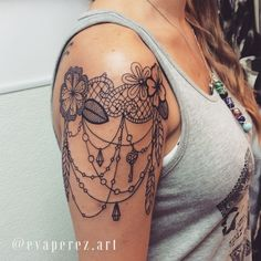 Lace tattoo designs on shoulder - creativefan. Lace Shoulder Tattoo, Shoulder Tats, Tattoo Band, Tattoo Henna, Henna Arm, Pearl Tattoo, Tattoo Feather, Tattoos For Women On Thigh, Shoulder Tattoos For Women