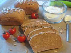 Mini wholemeal bread with sunflower seeds