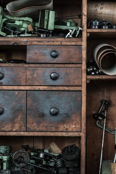 Dresser, Shops, Antiques, Furniture, Home Decor, Antiquities, Powder Room, Tents, Antique