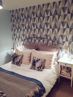 We are delighted to have seen our geometric Remix wallpaper in the Porcelain colourway, on today's episode of Cowboy Builders & Bodge Jobs! We hope you spotted us!   See the full range of designs from our Studio wallcoverings... www.prestigious.co.uk/wallcoverings/studio