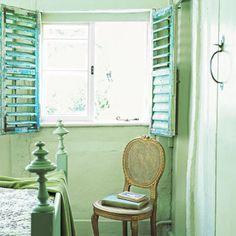 eleanorcummingsinteriordesign.com   cottage style interior shutters