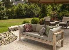 Outdoor Sofa from for RYOBI Nation I am loving this! I love a comfy outdoor sofa. Backyard Projects, Outdoor Projects, Backyard Patio, Diy Projects, Woodworking Projects, Project Ideas, Woodworking Plans, Pergula Patio, Outdoor Crafts