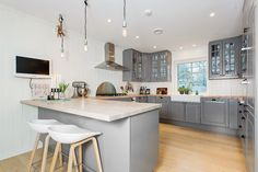 Bodbyn kitchen and hay bar stools
