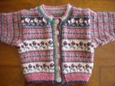 Ravelry: Fair Isle Cardigan pattern by Debbie Bliss - Cardigan stricken Baby Cardigan Knitting Pattern, Fair Isle Knitting Patterns, Knitted Baby Cardigan, Knit Baby Sweaters, Fair Isle Pattern, Knitting Sweaters, Baby Knits, Knitting For Kids, Fair Isles