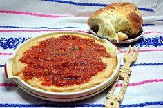 Fasole batuta New Recipes, Vegetarian Recipes, Favorite Recipes, Healthy Recipes, Pesto, Ribs In Oven, Romanian Food, Romanian Recipes, Vegan Snacks