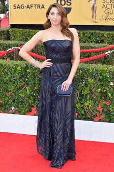 SAG Awards Red Carpet 2015 - Chelsea Peretti in a beautiful designed gown by Rubin Singer and Simon G.