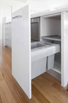Waste bins, system sets - in the Häfele Australia Shop Integrated Bins, Pull Out Bin, Waste Management System, Melbourne, Kitchen Trends, Kitchen Ideas, Kitchen Bins, Kitchen Waste, Waste Disposal
