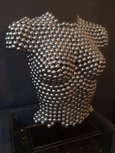 Sculpture cuivre. Chromée .