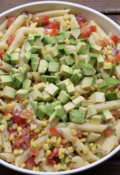 Corn Pasta Salad With Tomato and Avocado Tomato Pasta Salad, Vegetable Pasta Salads, Corn Pasta, Summer Pasta Salad, Pasta Salad Recipes, Avocado Recipes, Healthy Recipes, Avocado Pasta, Crudite