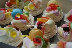 Sweet cupcakes pick n mix cupcakes Cupcake Picks, Cupcake Cakes, Cupcake Ideas, Cup Cakes, Cupcake Toppers, 5th Birthday Cake, Birthday Ideas, Weird Food, Crazy Food