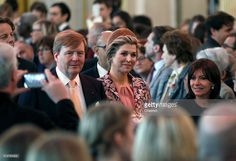 King Willem-Alexander of the Netherlands (L) and Queen Maxima of the Netherlands (C) arrive with Paris mayor Anne Hidalgo (R) at the Paris city hall on March 11, 2016 in Paris, France. Queen Maxima and King Willem-Alexander are on a two-day state visit in France.