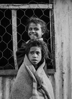 Timorese girls by Isabel Nolasco