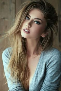 Latest Beautiful Women Images from all around the world, health care tips, celebrities gossips, beauty tips, photography and more interesting stuffs. Most Beautiful Faces, Beautiful Women Pictures, Beautiful Models, Beautiful Eyes, Gorgeous Women, Girl Face, Woman Face, Lace Hair, Brunette Beauty