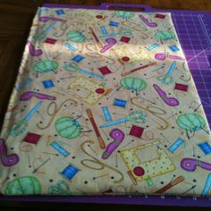 My ironing board. Made from wood and an old towel!  Tutorial by Missouri Star Quilt Company ;)    **Love it I have this fabric!!! Going to make one!
