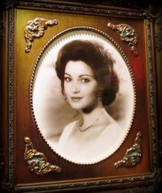 Elise McKenna Portrait at the Grand Hotel