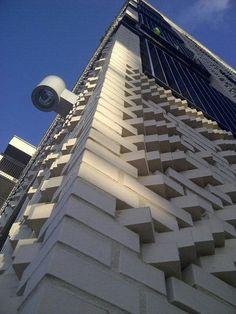 @brigadierSTRYPi: Rondleiding op nieuwe wooncomplex  @040sas3 #StrijpS. Morgen oplevering laatste huurblok door #Woonbedrijf
