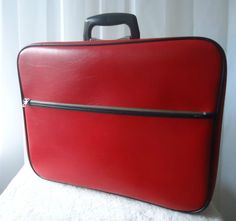 VINTAGE CHENEY RETRO RED BLACK RETRO SUITCASE CASE BAG TRAVEL ZIPPER OPENING