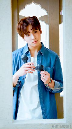Image uploaded by Find images and videos about kpop, bts and jungkook on We Heart It - the app to get lost in what you love. Jung Kook, Jungkook Oppa, Bts Bangtan Boy, Taehyung, Jungkook 2016, Busan, Billboard Music Awards, Foto Bts, K Pop